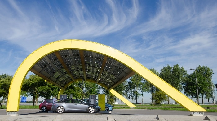 Fastned - first urban fast charging station in the netherlands the hague powered by renewables photovoltaic - eco urban motoring